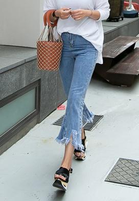 28973 - 不合时宜的鞋型裤牛仔色